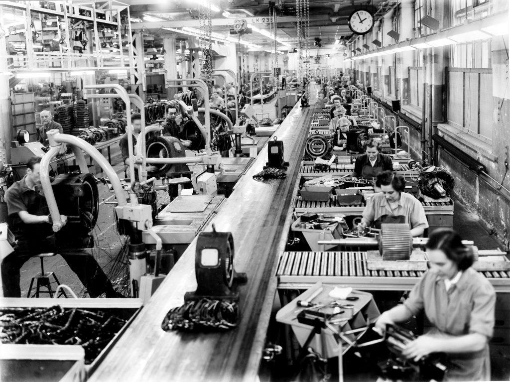 Fram till sextiotalet tillverkades Aseas elektriska motorer i Mimer. Nu ska ABB vara med om att utvecklas batteritillverkning på Finnslätten. Foto: ABB/Länsstyrelsens arkiv.